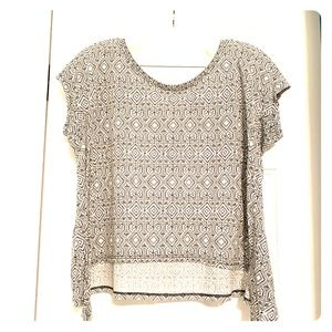 Light Flowy American Eagle Top